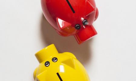 säästäminen sijoittaminen säästöpossu raha talous