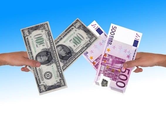 euro-dollari-valuutta-102015