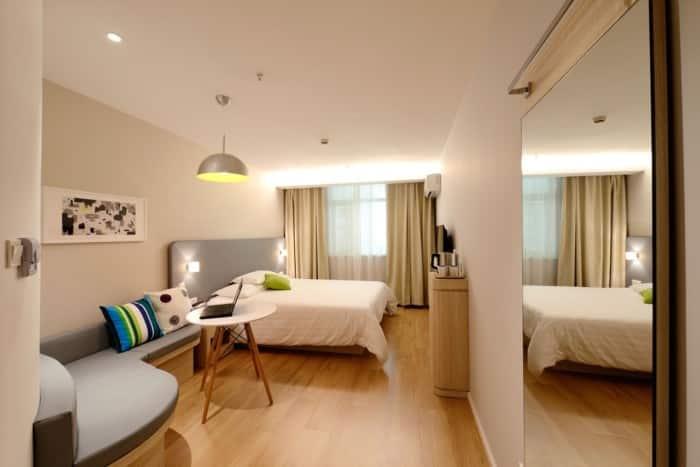 Hotelli-hotellihuone-loma-042016