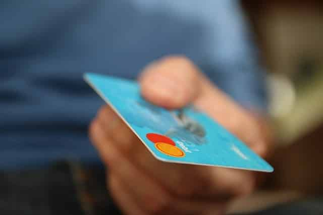luotto-luottokortti-velka-pankkikortti-052016
