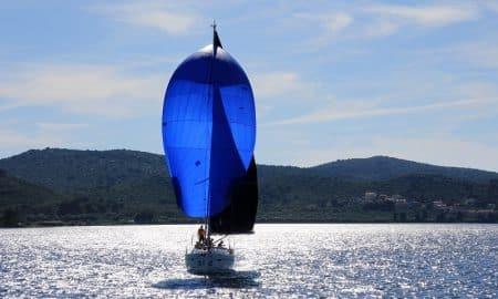 purjevene tuuli myötätuuli talouskehitys positiivinen