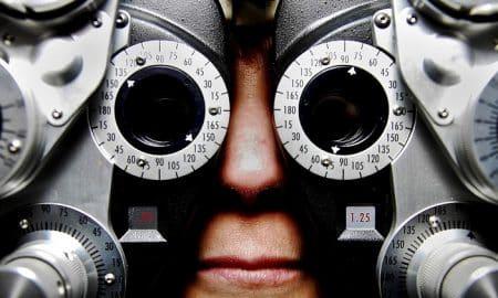 Silmäasema listautuminen optikko näkö