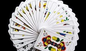 pelikortit sijoittaminen pelit talous
