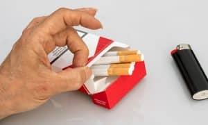 Tupakkateollisuus on yhä voimissaan ja vastustaa tupakoinnin vastaisia rajoituksia. Katso viiden kohdan lista.