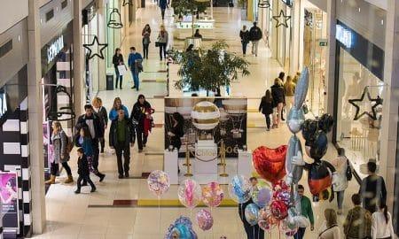 kuluttaja kuluttajaluottamus ostokset kauppa talous ostoskeskus