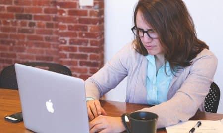 opiskelija opintotuki opintoraha opinnot opintolaina talous raha tietokone