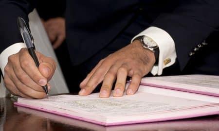 kaupunginjohtaja pormestari kunnanjohtaja johtaja sopimus allekirjoitus