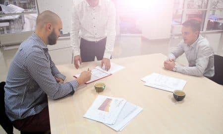 neuvottelu kokous tapaaminen talous