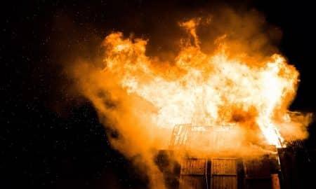 tulipalo pommi kriisi katastrofi talouskriisi