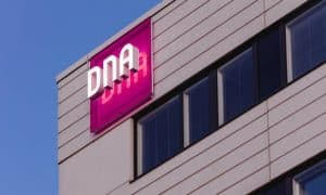 DNA tietoliikenne puhelinliittymät talous