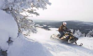 Lappi matkailu moottorikelkka talvi turismi talous