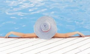 varakkuus onni aurinko uima-allas talous raha
