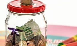 budjetointi säästäminen rahat oma talous