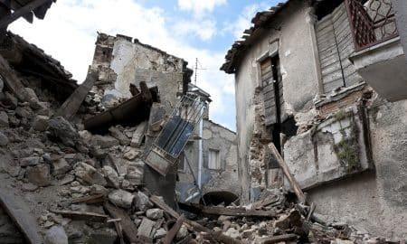 rauniot romahdus kupla tappio talous