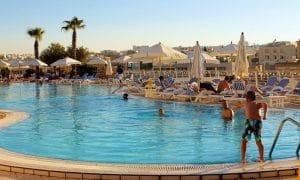 Malta matkailu uima-allas lomakohde loma talous