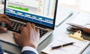 Osakesäästötili voi helpottaa sijoittamista suoriin osakkeisiin ja lisätä piensijoittajien käyttämää hajautusta.