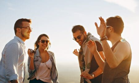 Rikkaat valitsevat ystävänsä eri tavoin kuin muut