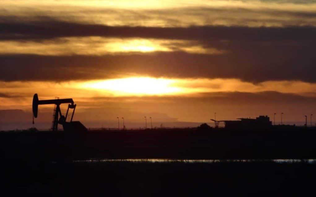 Öljy vaikuttaa yhä maailmantalouteen. Talouskasvu.