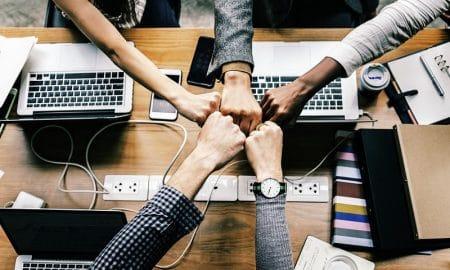 startup kokous tiimi yhteistyö tiimityö yritys kasvuyritys sijoittaminen