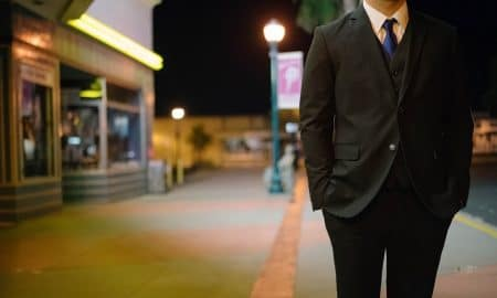 johtaja asiantuntija puku analyytikko salkunhoitaja toimitusjohtaja