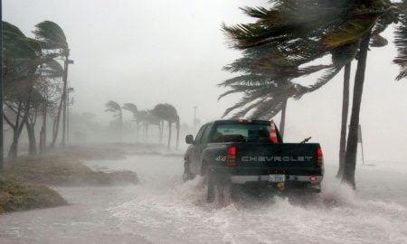 tulva katastrofi myrsky kriisi kurssiromahdus talous