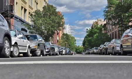 pysäköinti autot katu tie autoilu