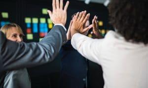 4 tapaa inspiroida työntekijöitä päivittäin
