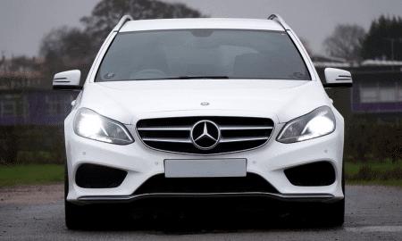 Mercedes Benz maine auto autoilu henkilöauto talous