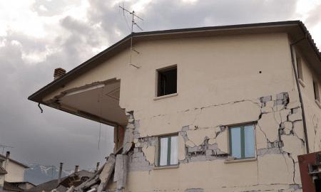 romahdus finanssikriisi talouskriisi kupla sortunut talo katastrofi
