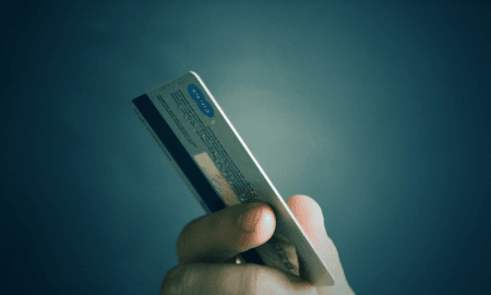 luottokortti maksaminen maksuhäiriöt talous
