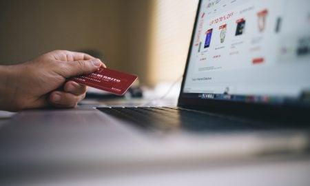 Tutkimus: Miten suomalaiset maksavat mieluiten ostoksensa?
