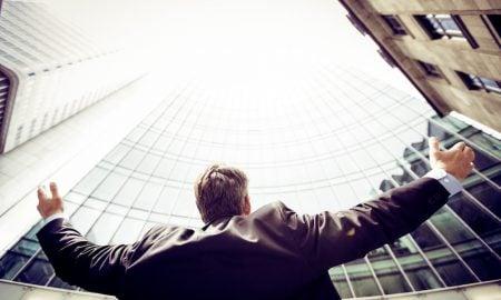 5 helppoa tapaa lisätä itseluottamusta töissä