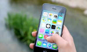 Apple iPhone kännykkä matkapuhelin talous
