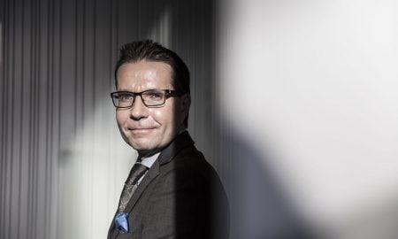 Mika Hyttinen sijoituskirjailija kouluttaja sijoittaja