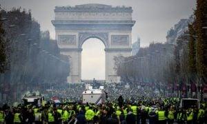 keltaliivit Pariisi Ranska