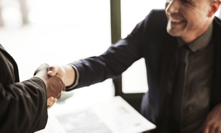 asuntokauppa asuntokaupat sopimus kauppa kättely asuntosijoittaja