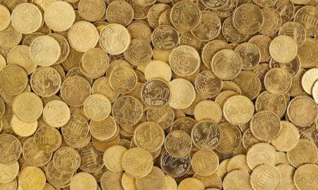 Rahasta voi tulla riippuvuus