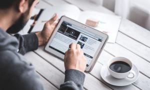 digitalisaatio tabletti kahvi työ it tietotekniikka talous
