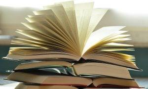 kirjojen lukeminen pidentää elinikää ja vähentää stressiä
