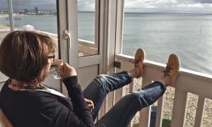 vaurastuminen kärsivällisyys kahvihetki meri näköala loma