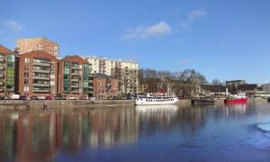 Turku Aurajoki kaupunki asuminen asunnot talous asuntosijoittaminen