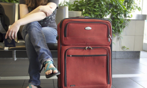 lentäjä lomalentäjä lentokenttä lentomatka loma matka matkalaukku