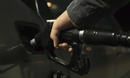 tankkaus bensiini diesel polttoaine huoltoasema talous