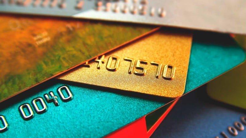 neljä luottokorttia opiskelijalle