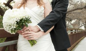 hääpari häät morsian sulhanen avioliitto talous