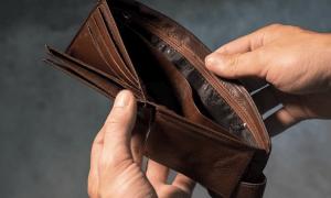 köyhyys rahattomuus lompakko rahat rahapuute talous