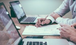 Time artikkelisarja kuvaa yrityksen ja osakkeen arvonmäärityksen haasteita