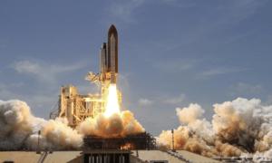 raketti kurssiraketti avaruusalus kurssinousu