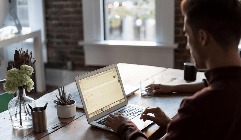 tuloverotus palkansaaja työ toimisto konttori tietokone toimistotyö talous