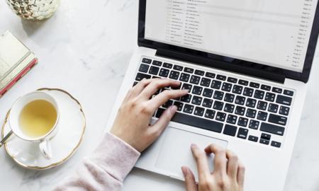 kirjailija tietokirjailija tietokone kannettava kirjoittaja bloggaaja